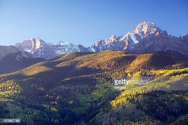 Vieilli la neige du Mont Sneffels en automne.