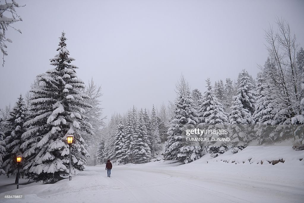 Snow falls leading to the cancellation of the men's downhill training at the FIS Ski World Cup in Beaver Creek, Colorado, December 4, 2013. AFP PHOTO/Emmanuel Dunand