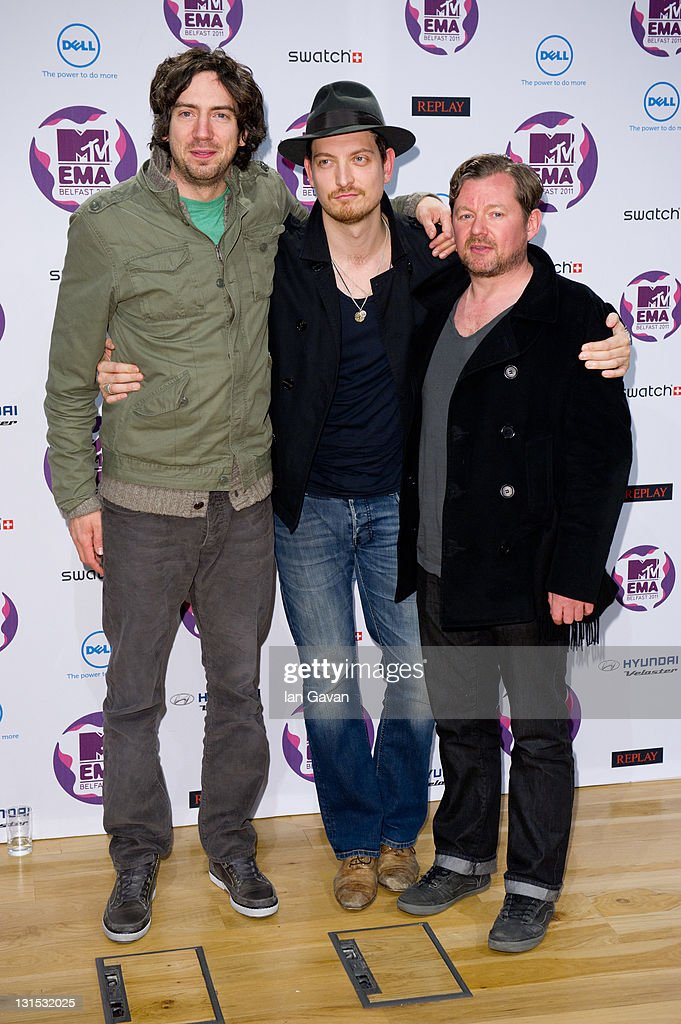 Snow Patrol with (L-R) <a gi-track='captionPersonalityLinkClicked' href=/galleries/search?phrase=Gary+Lightbody&family=editorial&specificpeople=227230 ng-click='$event.stopPropagation()'>Gary Lightbody</a>, <a gi-track='captionPersonalityLinkClicked' href=/galleries/search?phrase=Nathan+Connolly&family=editorial&specificpeople=2636666 ng-click='$event.stopPropagation()'>Nathan Connolly</a> and Tom Simpson attend a MTV Europe Music Awards 2011 press conference at Odyssey Arena on November 5, 2011 in Belfast, Northern Ireland.