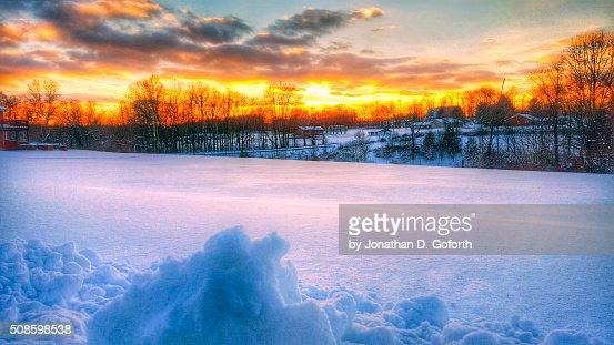 Snow Yard Sunset : Foto de stock