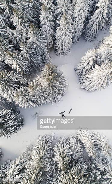 スノーボーダーの雪