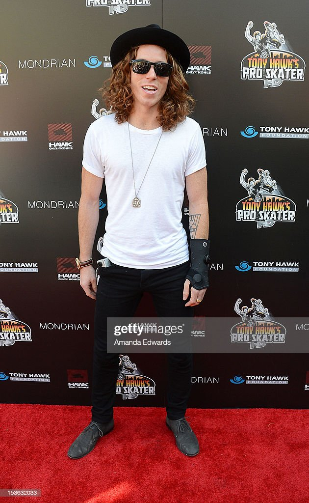 Snowboarder Shaun White arrives at the 9th Annual Stand Up For Skateparks Benefiting The Tony Hawk Foundation at a private residence on October 7, 2012 in Beverly Hills, California.