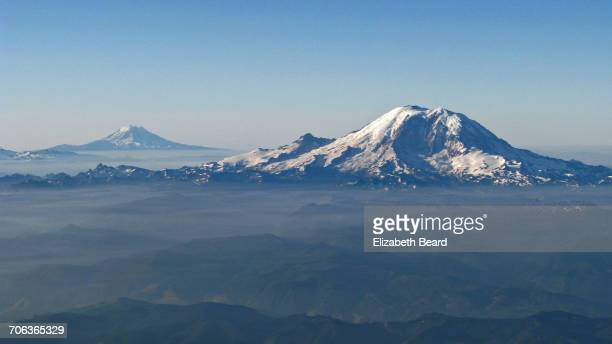 the background of mount st helen along the cascade range Mt st helens need to know: 1,2,3  (closest area near eruption site) mount st helens is an  as with most other volcanoes in the cascade range .