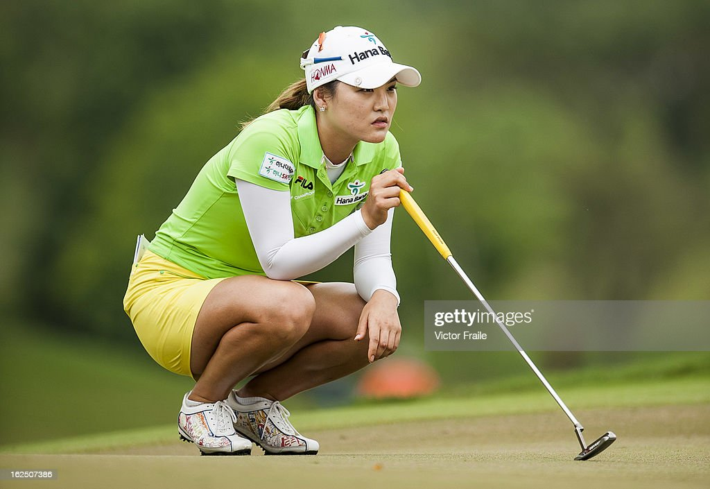 So Yeon Rui of South Korea lines up a putt on the 2nd hole during day four of the Honda LPGA Thailand at Siam Country Club on February 24, 2013 in Chon Buri, Thailand.