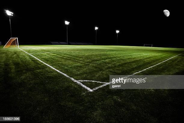 Terrain de football de nuit