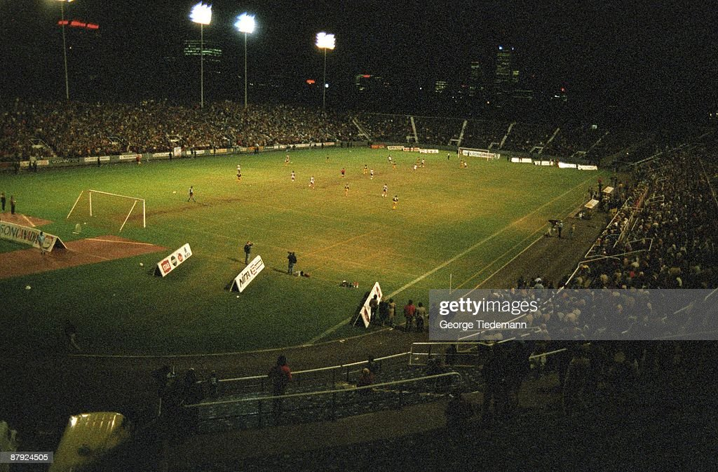 Toronto Blizzard in action vs Chicago Sting during final. Game 2. Overall view of Varsity Stadium. Toronto, Canada 10/3/1984