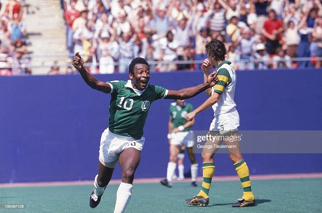 New York Cosmos Pele (10) victorious after scoring goal vs Tampa Bay Rowdies. East Rutherford, NJ 1/1/1977--9/30/1977