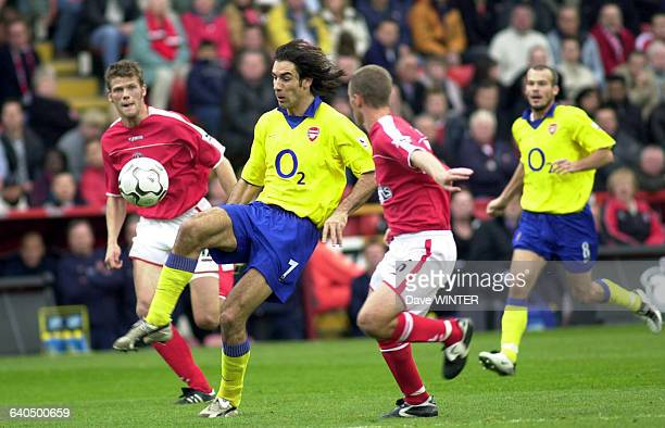 FA Soccer Premiership season 20032004 Charlton Athletic vs Arsenal Hermann Hreidarsson Chris Perry and Robert Pires Football Championnat d'Angleterre...