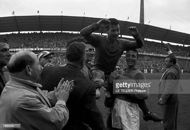 Match France Germany For The 3Rd Place Gothenburg 28 Juin 1958 Au stade Nya Ullevi le Match pour la troisième place France République d'Allemagne...