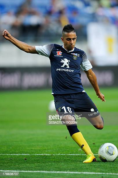 Sochaux Algerian midfielder Ryad Boudebouz takes part in a training session before the French L1 football match between Sochaux and Lyon on August 16...