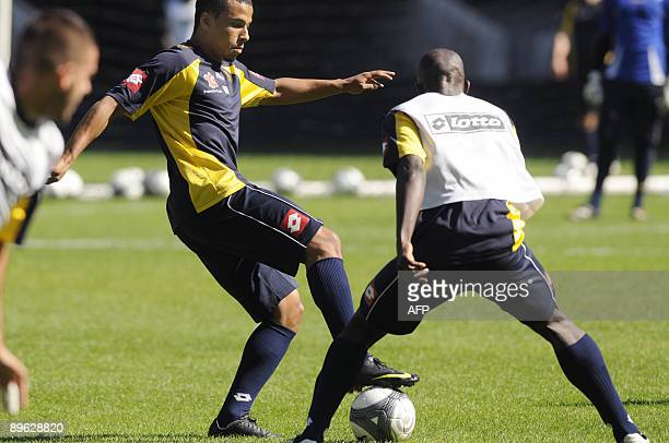 FC Sochaux' US forward Charlie Davies controls the ball during a training session on August 6 2009 at the Auguste Bonal stadium in Montbeliard...