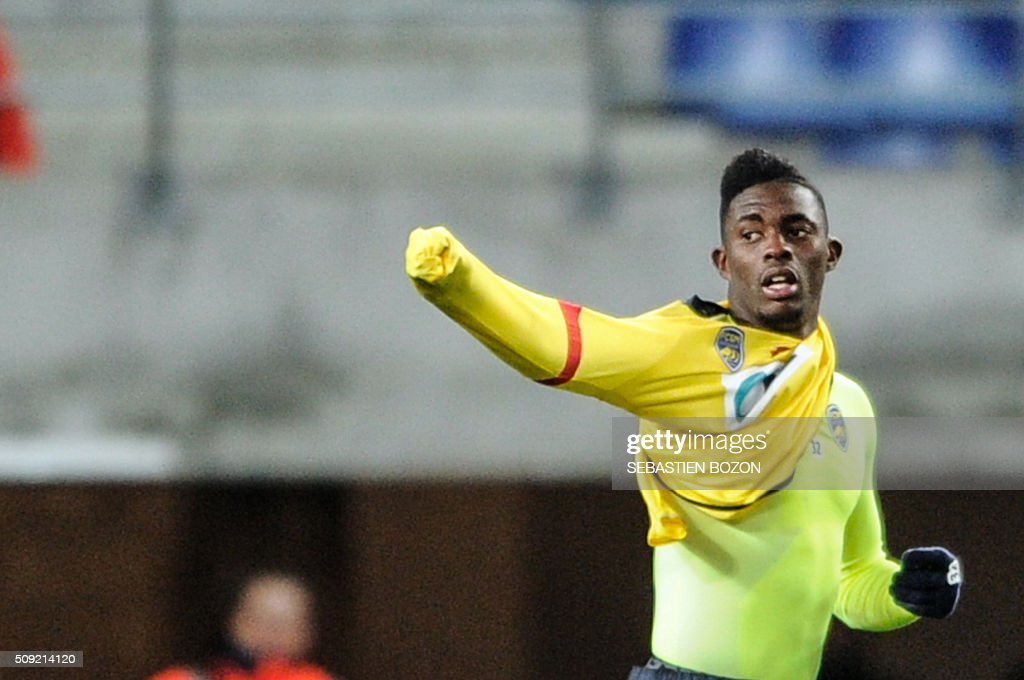 Sochaux's French forward Hadji Sacko celebrates after scoring a goal during the French Cup football match between Sochaux (FCSM) and Monaco (ASM) at Auguste Bonal Stadium in Montbeliard on February 9, 2016. / AFP / SEBASTIEN BOZON