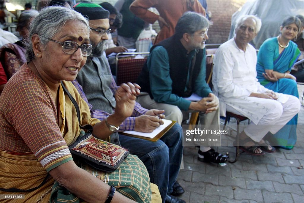 Social activist Aruna Roy with other social activist addressing a press conference for pension parshad, urban and rural employment issue, pension related demands, depositions grievances, budget and social sector issue at Jantar Mantar on March 4, 2013 in New Delhi, India.