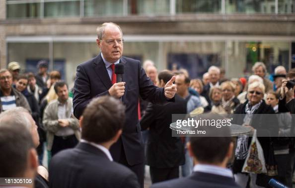 Social Democrats chancellor candidate Peer Steinbrueck delivers a speech during a campaign appearance on September 20 2013 in Wiesbaden Germany...