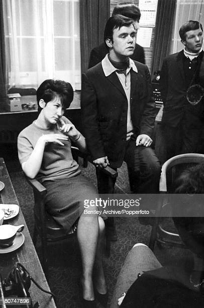 circa 1964 Great Britain Young 'Mods' dressed in casual 'Mod' gear get together By 1964 many of Britain's youth fell into 2 factions either the...