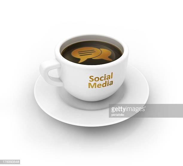 social media und Kaffeetasse