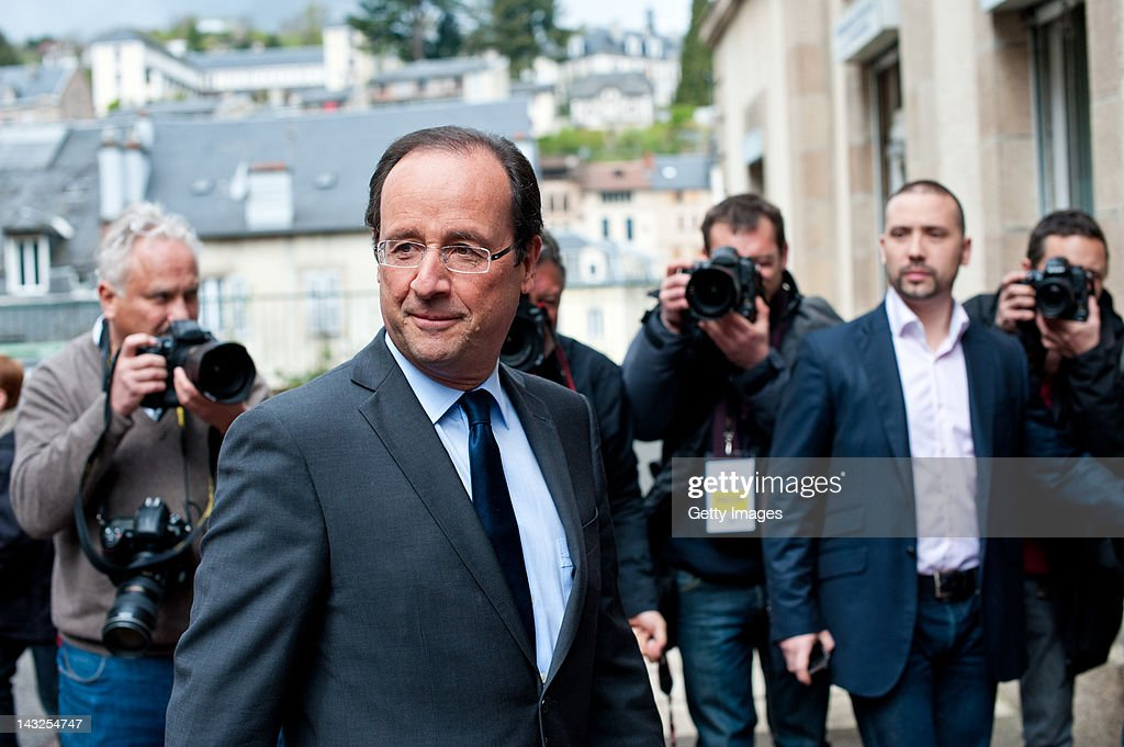 Socialist Party candidate Francois Hollande appears at the Tulle council during the first round of the 2012 French Presidential election on April 22...