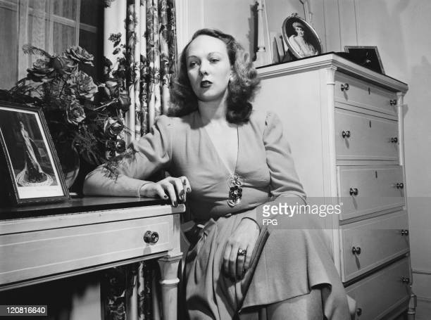 Socialite actress and model Lady Iris Mountbatten in her suite at the Ritz Hotel New York City circa 1946