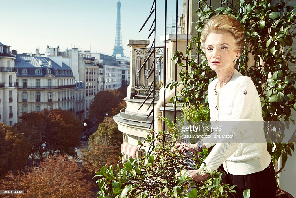 Socialite, interior decorator, former actress and sister of Jacqueline Kennedy Onassis, Lee Radziwill is photographed at home for Paris Match on October 4, 2015 in Paris, France.