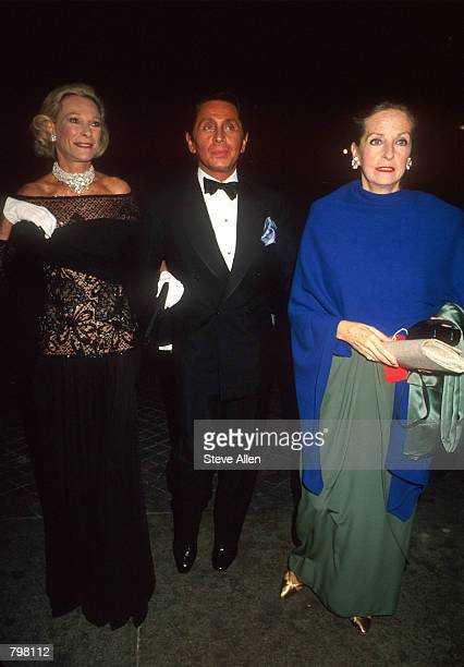 Socialite Nan Kempner designer Valentino and Doris Brenner arrive at the Metropolitan Museum Gala for Giovanni Agnelli in New York October 29 1991