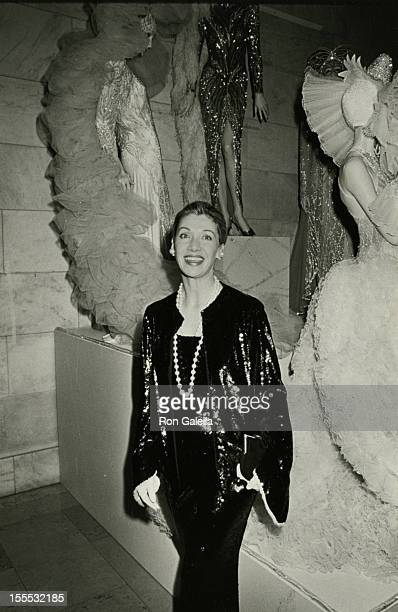 Socialite Susan Gutfreund attends A Decade of Literary Lions Benefit Gala on November 8 1990 at the New York Public Library in New York City