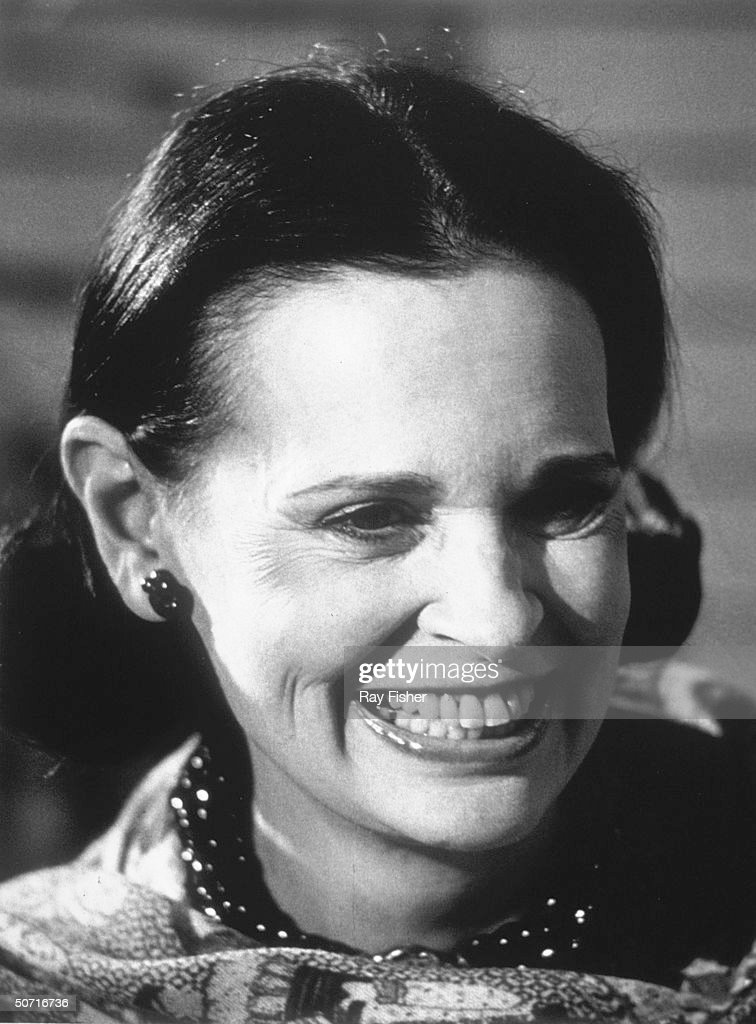 Socialite/designer <a gi-track='captionPersonalityLinkClicked' href=/galleries/search?phrase=Gloria+Vanderbilt+-+Fashion+Designer&family=editorial&specificpeople=214786 ng-click='$event.stopPropagation()'>Gloria Vanderbilt</a> promoting her perfume.