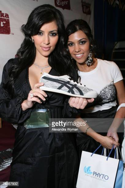 HOLLYWOOD DECEMBER 09 Socialites Kim Kardashian and Kourtney Kardashian in the gift lounge for the 7th annual Hollywood Life Breakthrough of the Year...