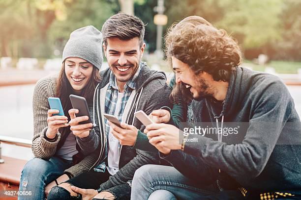 Sociall Medien