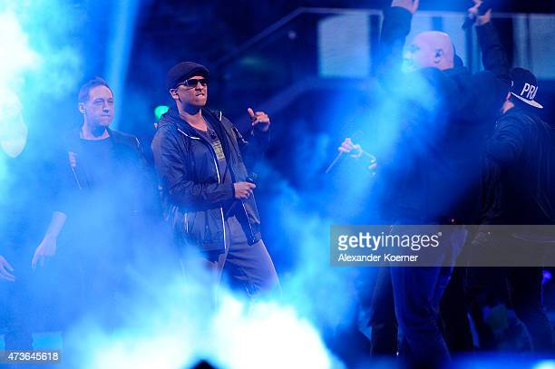 Soehne Mannheims and Xavier Naidoo perform during the finals of the television show 'Deutschland sucht den Superstar' on May 16 2015 in Bremen Germany