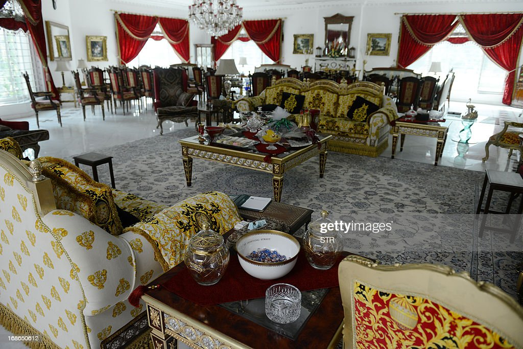 Sofas and other furniture adorn a room inside Pakistan's incoming prime minister Nawaz Sharif's farm house in Raiwind in the outskirts of Lahore on May 13, 2013. In an astonishing comeback 14 years after he was ousted by a military coup and briefly jailed, his centre-right Pakistan Muslim League-N (PML-N) is projected to win 130 of the 176 directly elected seats in the national assembly.