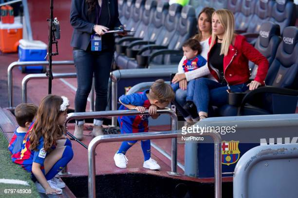 Sofia Balbi wife of Luis Suarez and Antonella Roccuzzo wife of Leo Messi prior the spanish football league match against Villarreal at the Camp Nou...
