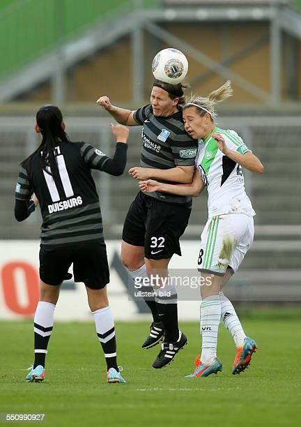 Sofia Nati Barbara Mueller Müller Lena Goessling Goeßling Zweikampf Aktion Spielszene VfL Wolfsburg MSV Duisburg Bundesliga DFB Sport Fußball...