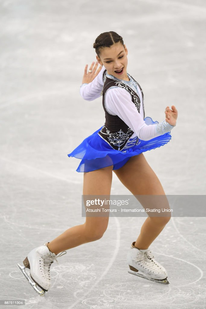 Софья Самодурова - Страница 3 Sofia-samodurova-of-russia-competes-in-the-junior-ladies-short-progam-picture-id887511304