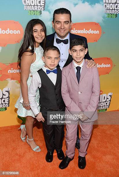 Sofia Valastro Marco Valastro Buddy Valastro and Buddy Valastro Jr attend Nickelodeon's 2016 Kids' Choice Awards at The Forum on March 12 2016 in...