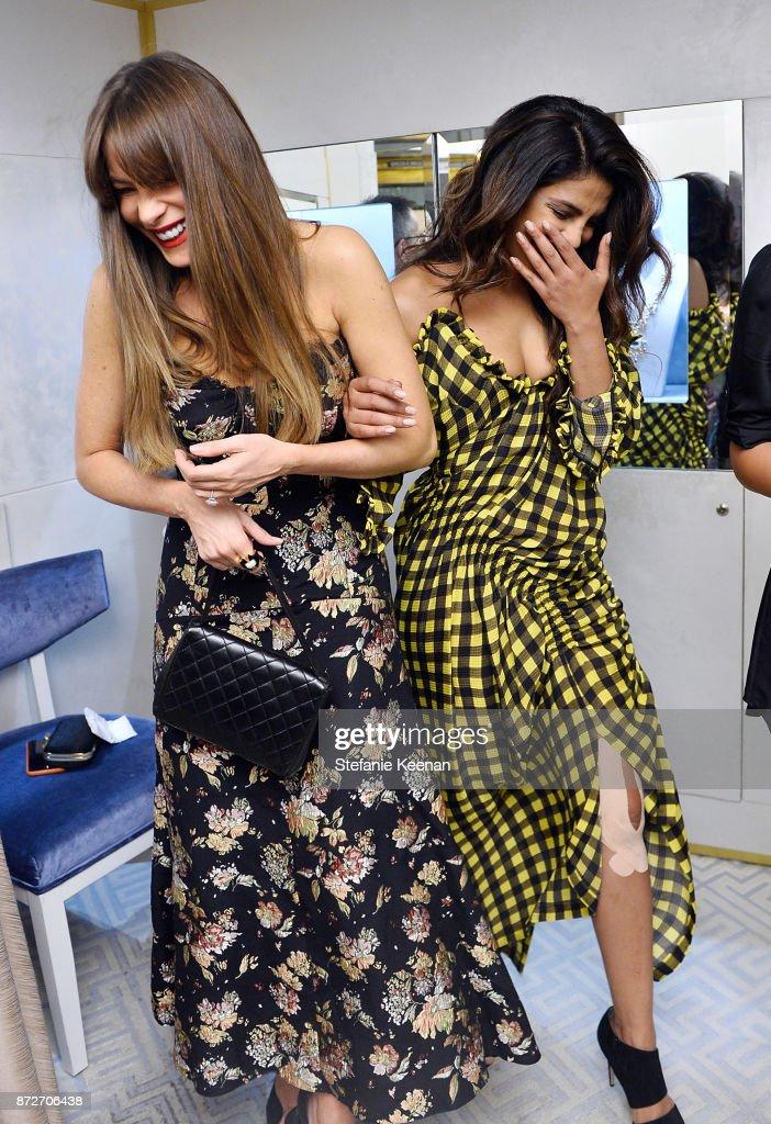 Sofia Vergara and Priyanka Chopra attend David Webb Hosts STOP CANCER with Elizabeth Chambers on November 10, 2017 in Beverly Hills, California.
