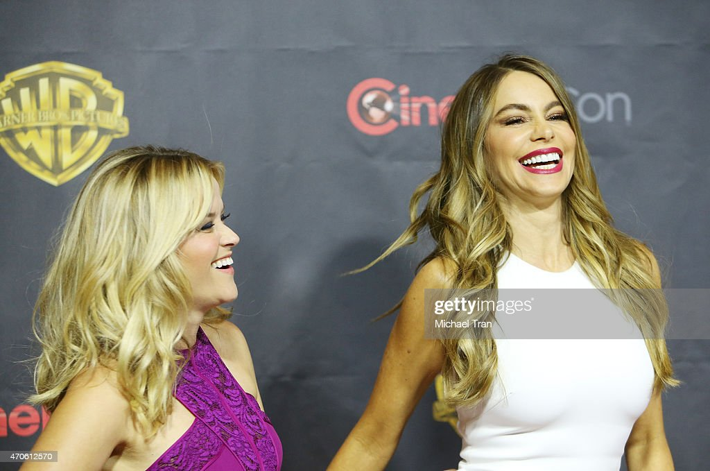 Sofia Vergara (L) and Reese Witherspoon arrive at 2015 CinemaCon - Warner Bros. Presents The Big Picture held at Caesars Palace Resorts and Casino on April 21, 2015 in Las Vegas, Nevada.