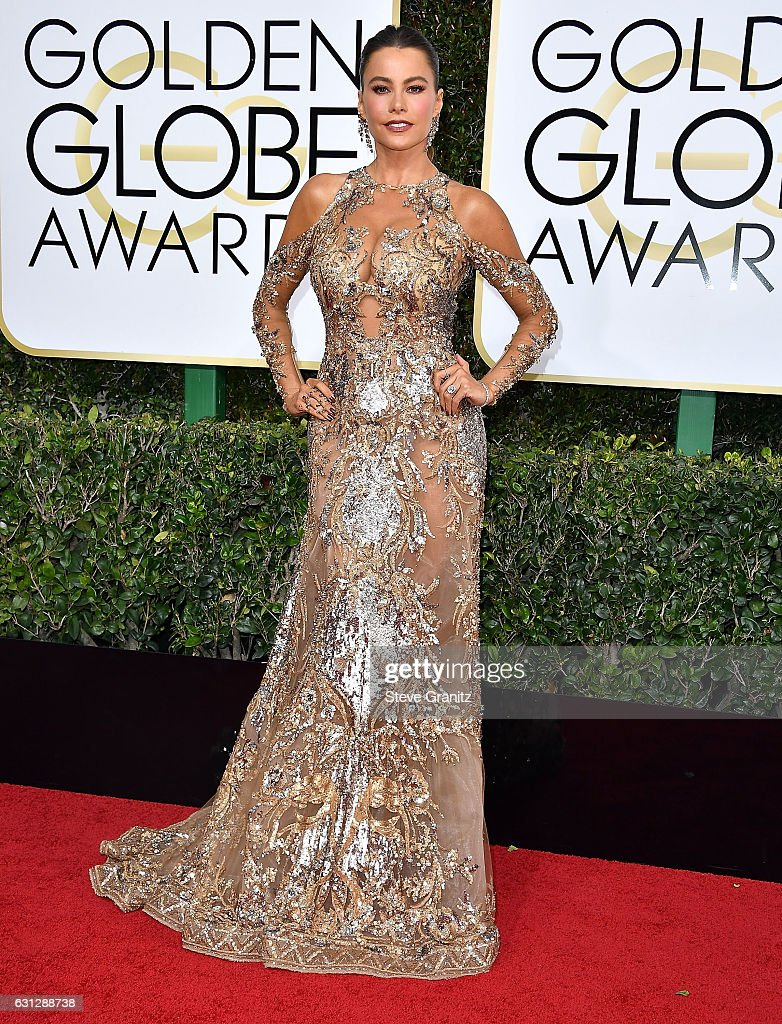 sofia-vergara-arrives-at-the-74th-annual-golden-globe-awards-at-the-picture-id631288738