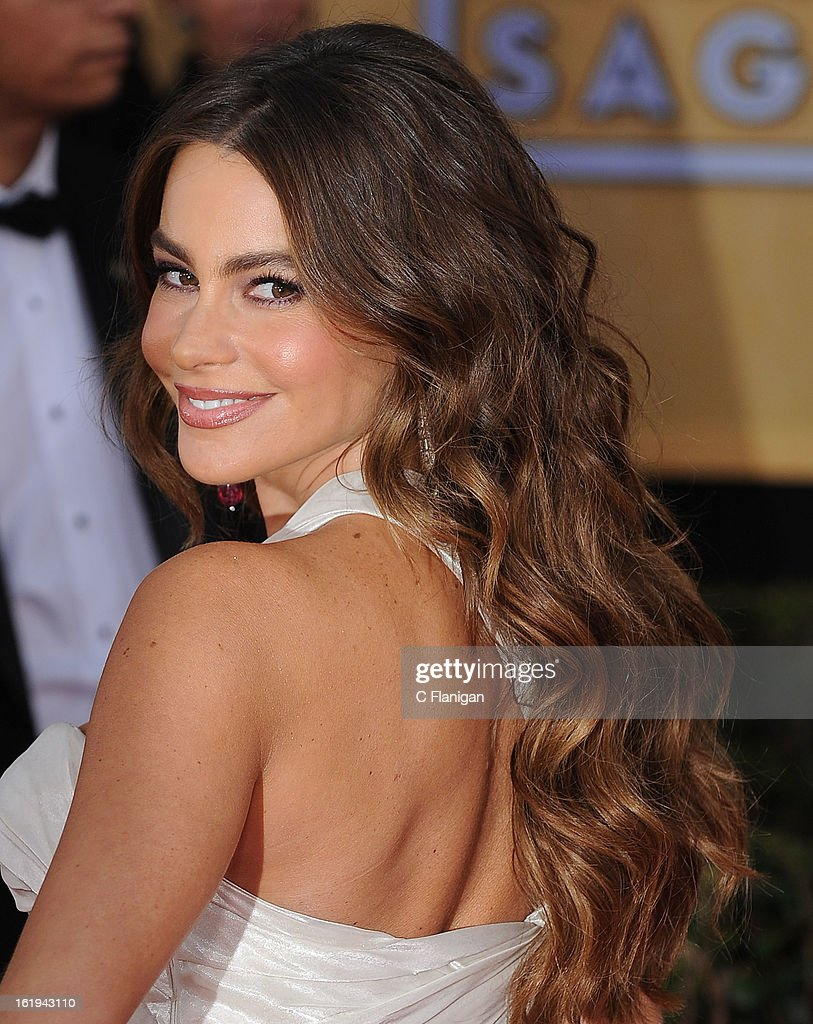Sofia Vergara arrives during The 19th Annual Screen Actors Guild Awards at The Shrine Auditorium on January 27, 2013 in Los Angeles, California.
