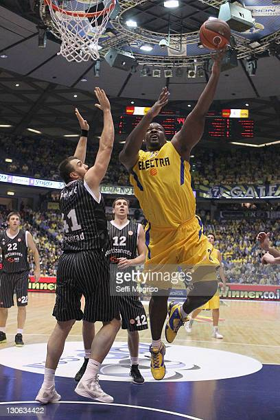 Sofoklis Schortsanitis #21 of Maccabi Electra Tel Aviv in action during the 20112012 Turkish Airlines Euroleague Regular Season Game Day 2 between...