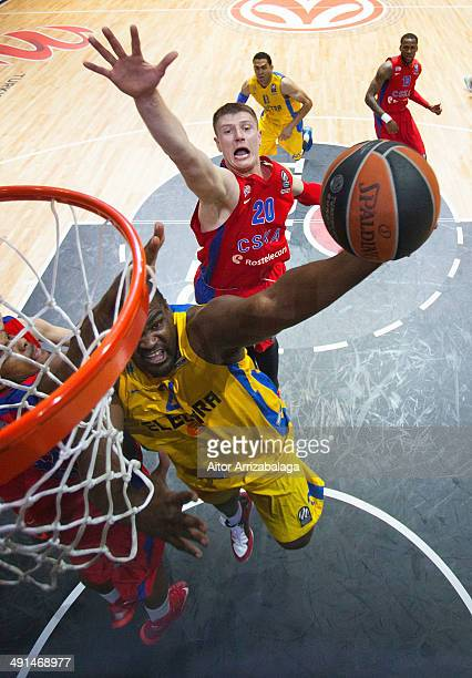 Sofoklis Schortsanitis #21 of Maccabi Electra Tel Aviv in action during the Turkish Airlines EuroLeague Final Four Semi Final B between CSKA Moscow...