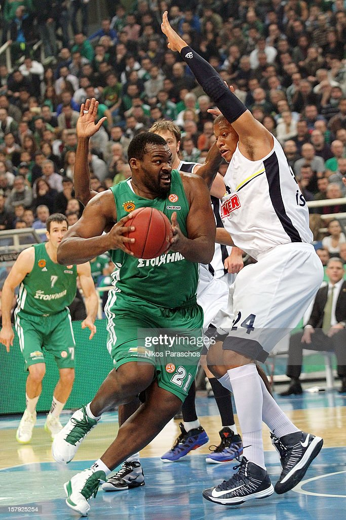 Sofoklis Schortsanitis #21 of Panathinaikos Athens competes with Mike Batiste #24 of Fenerbahce Ulker Istanbul during the 20122013 Turkish Airlines...
