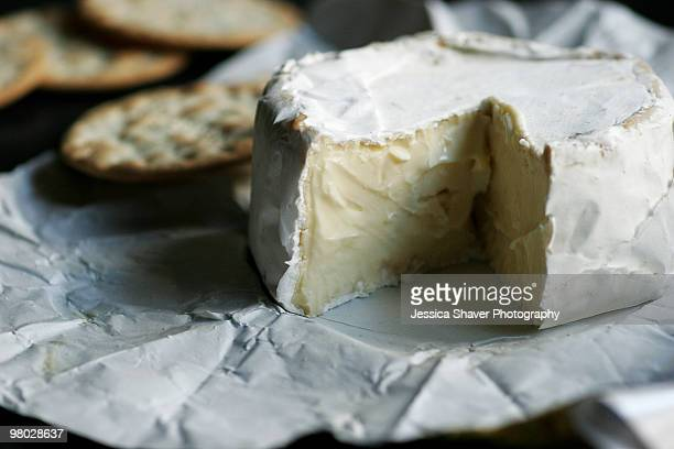 Soft cheese and water crackers