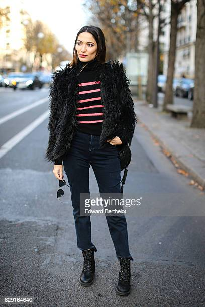 Sofya Benzakour fashion and life style blogger @lacouleurdumoment is wearing River Island shoes Ikks blue denim jeans an Ikks black bag a black and...