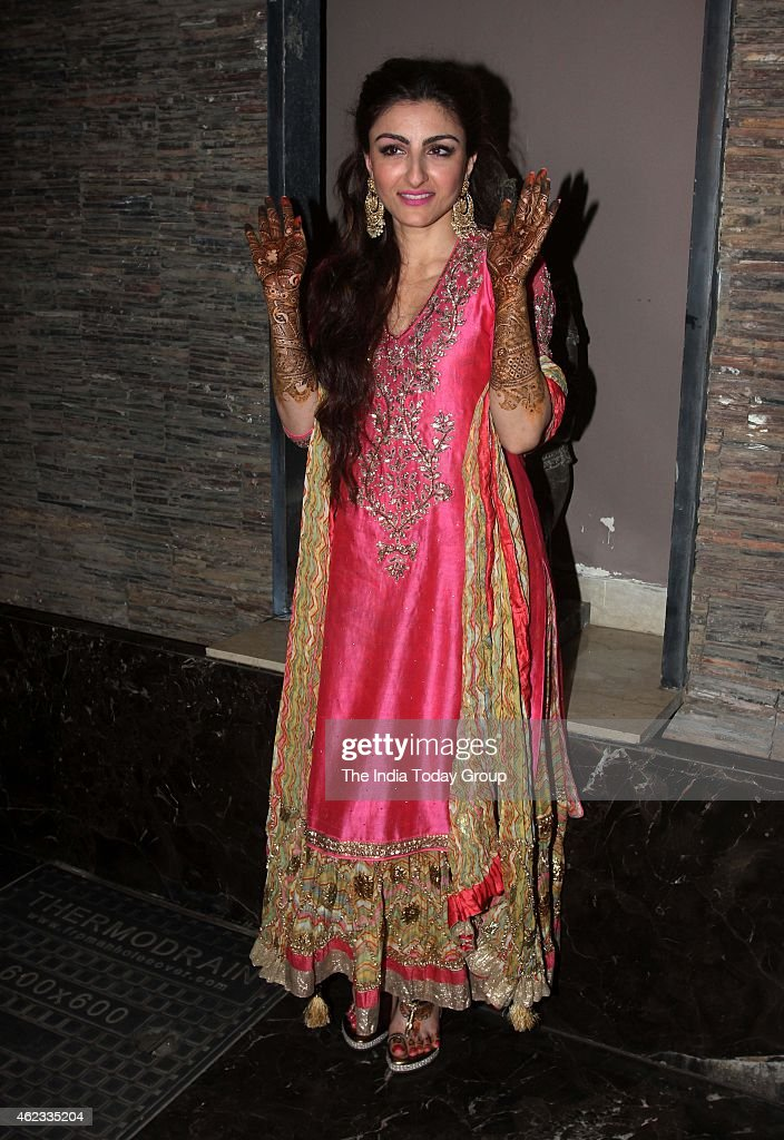 Soha Ali Khan at her mehendi ceremony at her residence in Mumbai