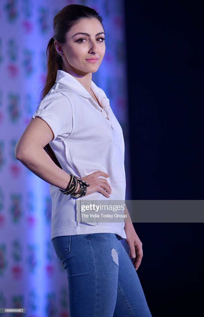 <a gi-track='captionPersonalityLinkClicked' href=/galleries/search?phrase=Soha+Ali+Khan&family=editorial&specificpeople=691303 ng-click='$event.stopPropagation()'>Soha Ali Khan</a> at the launch of a new product by a detergent company.