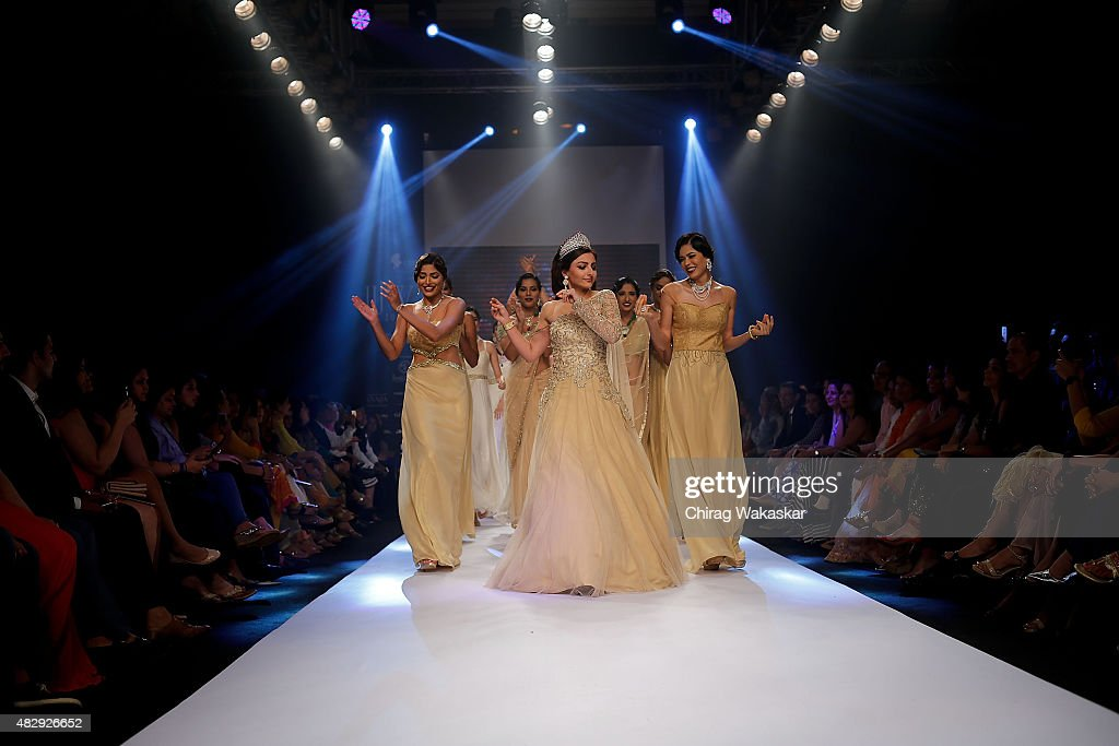 Soha Ali Khan walks the runway at the Surya Golds show during Day 2 of the India International Jewellery Week at the Grand Hyatt on August 4 2015 in...