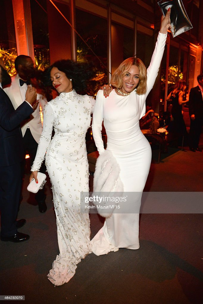 Solange and Beyonce attend the 2015 Vanity Fair Oscar Party hosted by Graydon Carter at the Wallis Annenberg Center for the Performing Arts on February 22, 2015 in Beverly Hills, California.