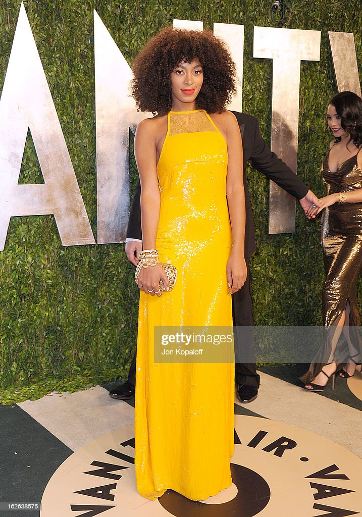 <a gi-track='captionPersonalityLinkClicked' href=/galleries/search?phrase=Solange+Knowles&family=editorial&specificpeople=221489 ng-click='$event.stopPropagation()'>Solange Knowles</a> attends the 2013 Vanity Fair Oscar party at Sunset Tower on February 24, 2013 in West Hollywood, California.