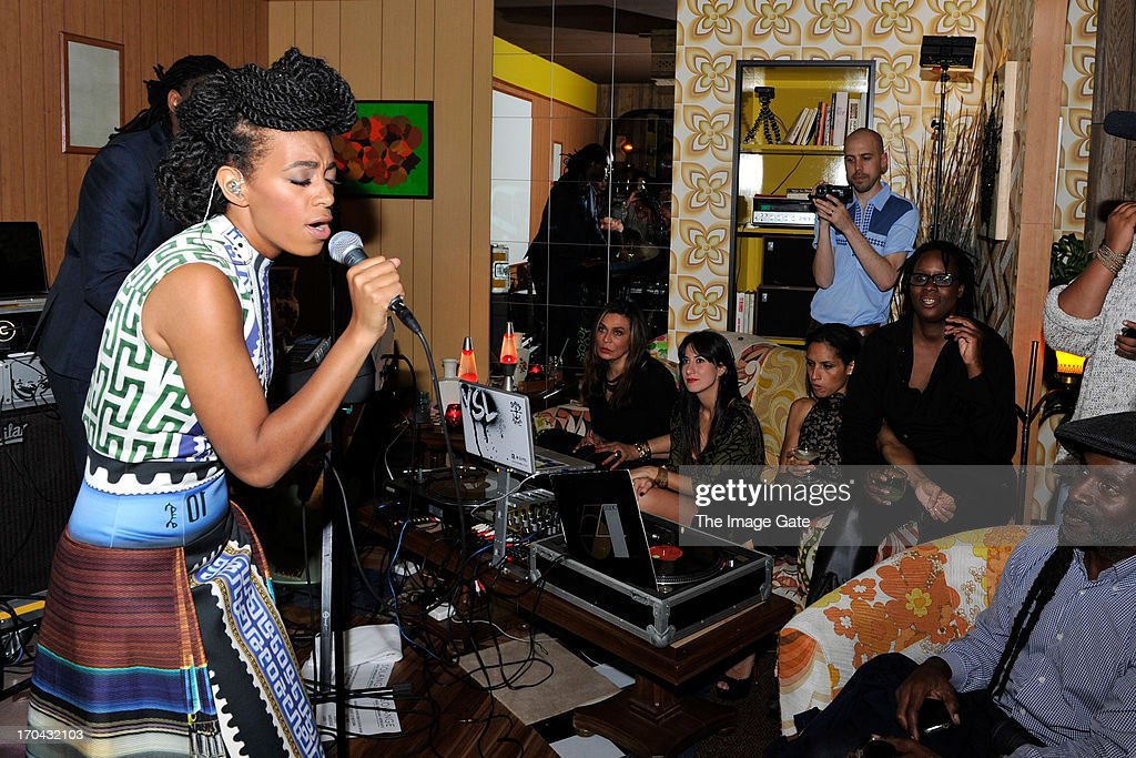 <a gi-track='captionPersonalityLinkClicked' href=/galleries/search?phrase=Solange+Knowles&family=editorial&specificpeople=221489 ng-click='$event.stopPropagation()'>Solange Knowles</a> wearing Mary Katrantzou performs at 'Better Days', an art bar installation by Mickalene Thomas presented by Absolut Art Bureau on June 12, 2013 in Basel, Switzerland.