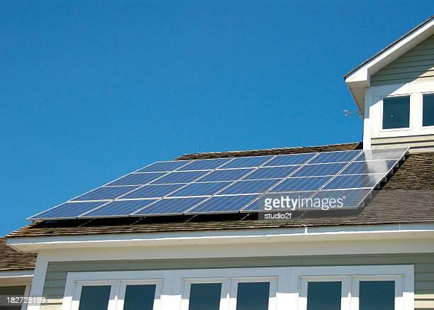 Génération de panneaux solaires sur le toit